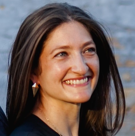 Image of Caren smiling